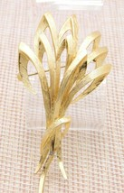 MONET Brooch Pin Large Openwork Abstract Textured Wheat Gold Tone Vintage - $17.82