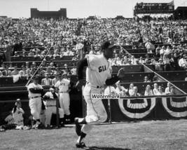 MLB 1958 Willie Mays San Francisco Giants Seals Stadium 8 X 10 Photo Pic... - $6.99