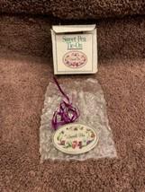 Longaberger Sweet Pea Tie-on  1996  - $12.50