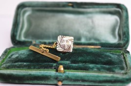 Vintage Gold lapel pin art deco theme with diamond cut style #720 - $12.16