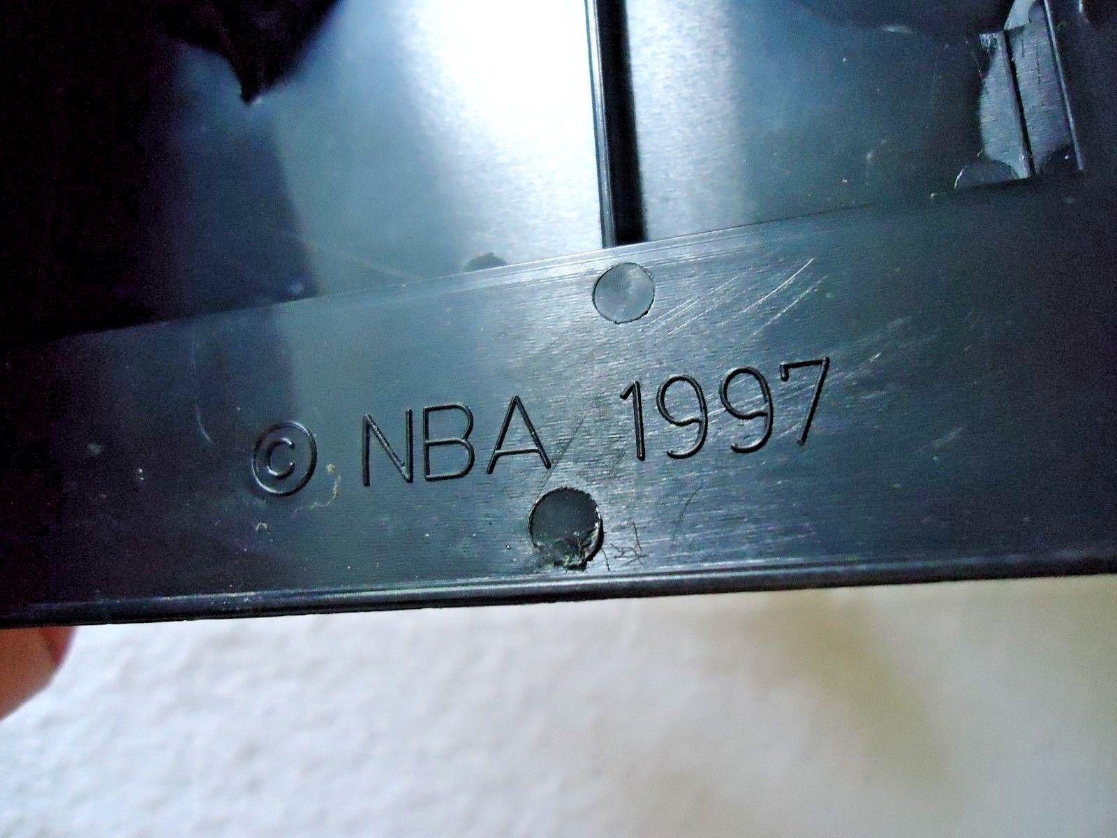"""Vintage 1997 NBA Kenner Starting Line Up Damon Stoudamire Figure """" GREAT ITEM """""""