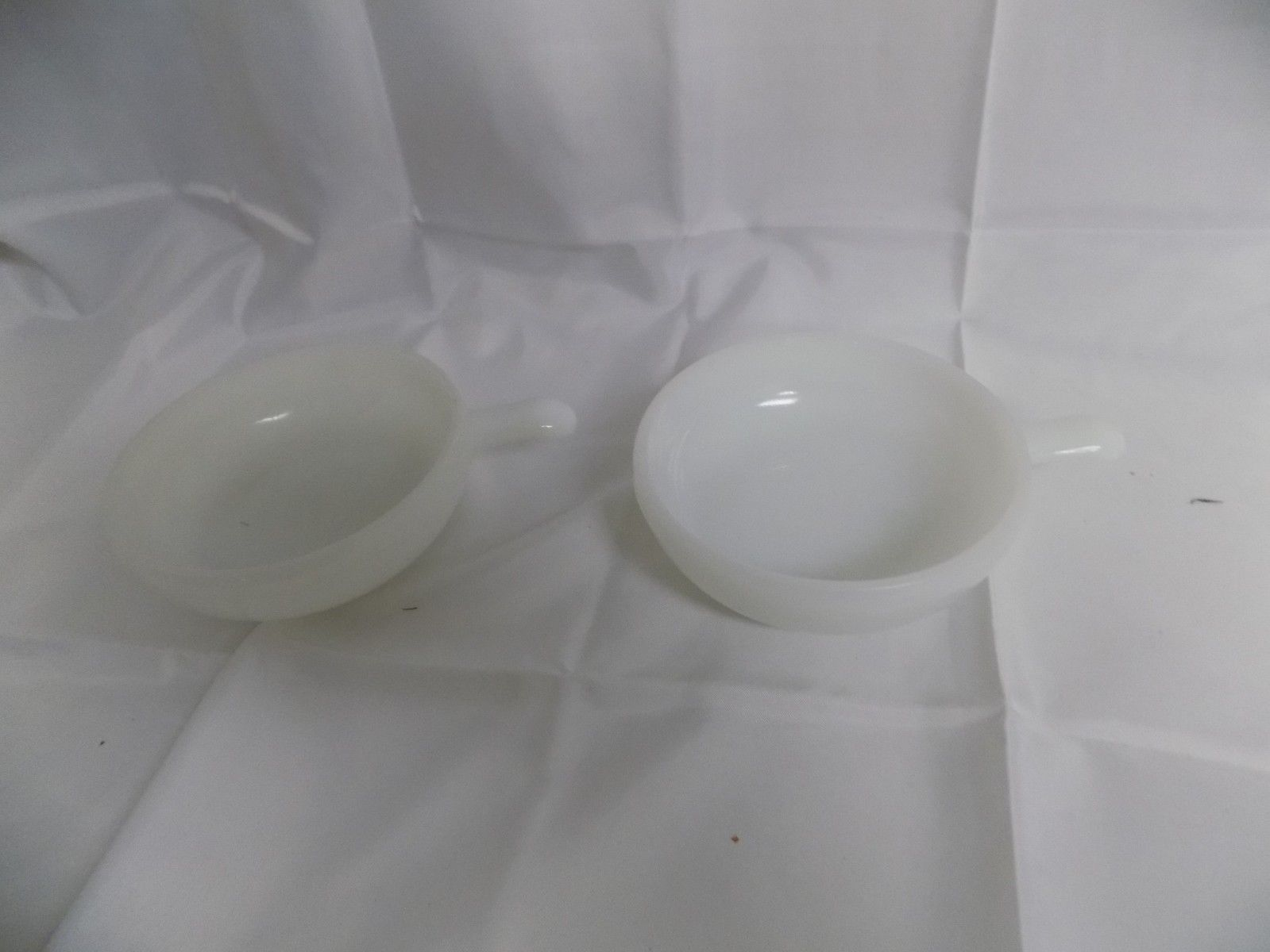 LOT OF 2 VINTAGE GLASBAKE WHITE MILK GLASS SOUP BOWL W/ HANDLE #J2663 11OZ