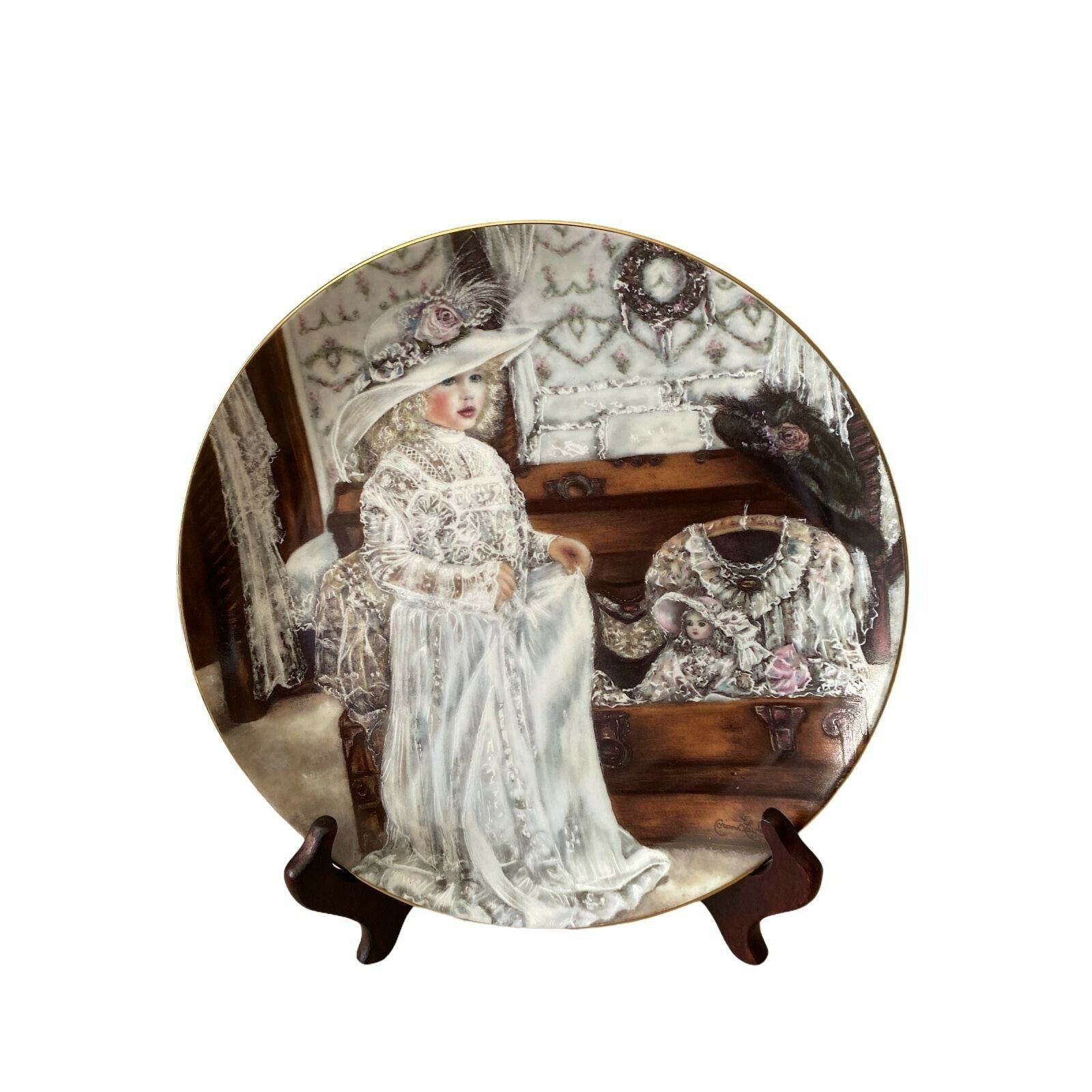 Olivia 1990 collectors plate Edwin Knowles Heirloom and Lace Series Corinne Layt - $10.99