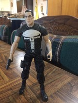 2007 Marvel Legends Hasbro Wal-Mart Excl PUNISHER w/Gun Action Figure Loose - $23.75