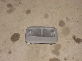 2007 TOYOTA YARIS FRONT DOME LIGHT - $15.00