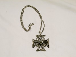 "Vintage Ornate Cross Flower and Leaves Silver Metal 2 3/8"" x 2 3/4"" on 22"" Chain - $14.70"