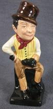 """Royal Doulton Dickens Miniature Sam Weller M48 4"""" Vintage Oliver Twist England image 1"""