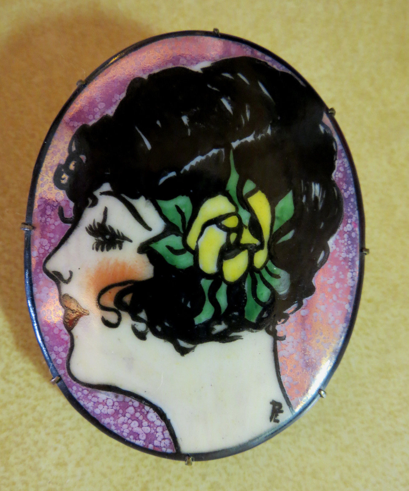 Antique Roaring 20s Signed Hand Painted Brooch Womans Face Cameo Flapper Girl