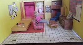 Vintage BARBIE Case DREAM HOUSE 1962 With Furniture INCLUDES BABY FACE M... - $84.00