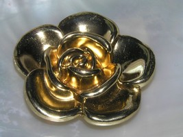 Estate Thick Dimensional Goldtone Flower Pin Brooch Pendant Combination ... - $10.39