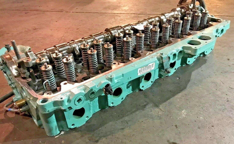 Detroit Diesel Series 60 SERIES 14L Engine Cylinder Head SCH1106137 OEM
