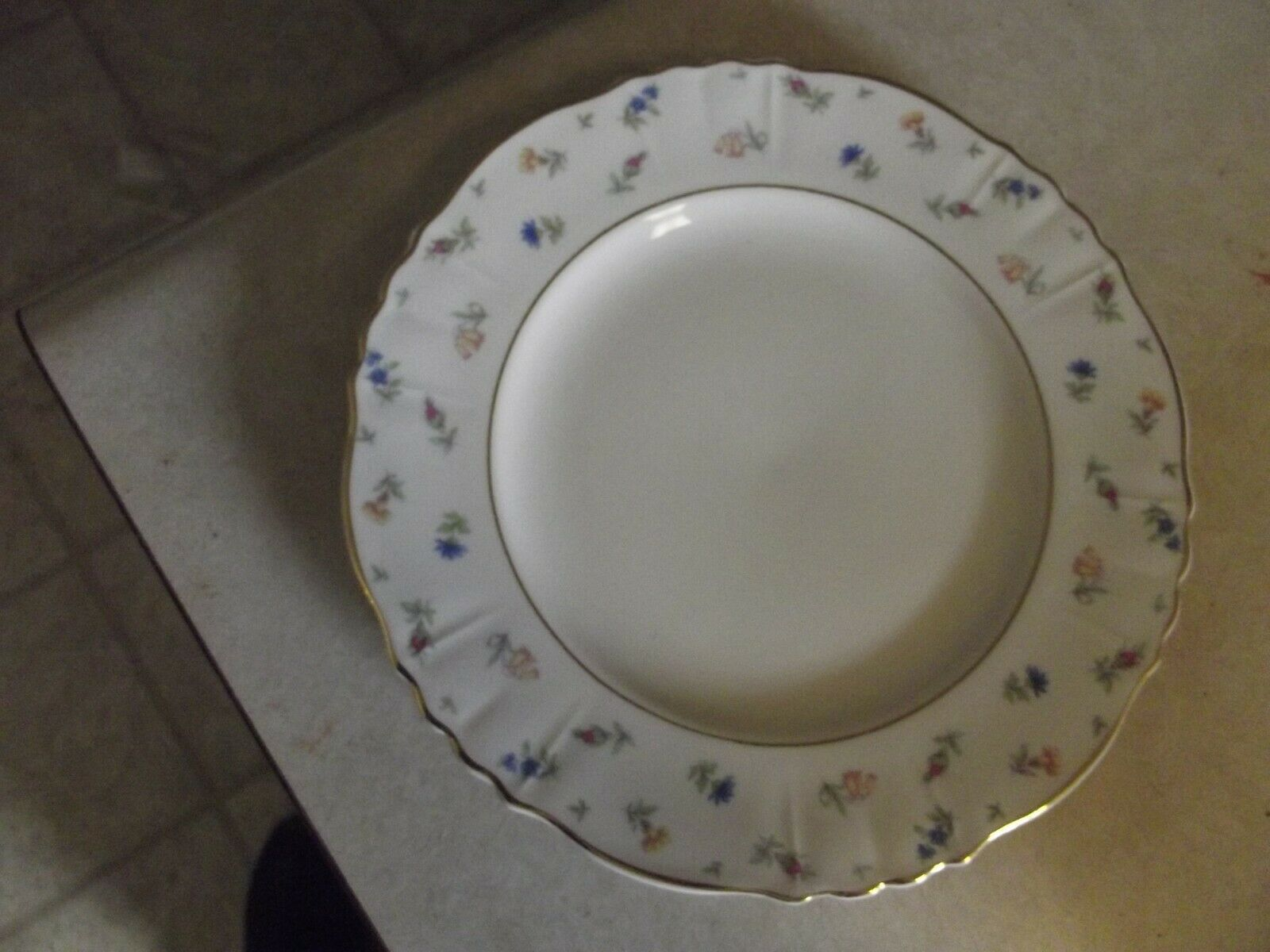 Syarcuse salad plate (Suzanne) 7 available - $8.17