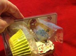Cupcake gift box with choice of Exotic or Safari African animal  on lid image 5