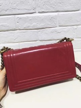 AUTHENTIC CHANEL RED SMOOTH CALFSKIN LEATHER MEDIUM BOY FLAP BAG ANTIQUE GHW image 3