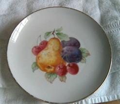 Hutschenreuther Gelb China Plate Bavaria Germany Hut 1553 Cherries Pear ... - $14.36