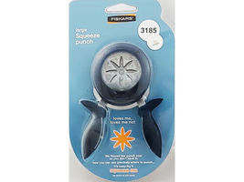 Fiskars Large Squeeze Punch, Loves Me Loves Me Not #12-7311 image 1