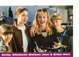 Leonardo Dicaprio Melissa Joan Hart teen magazine pinup  with her family Bop
