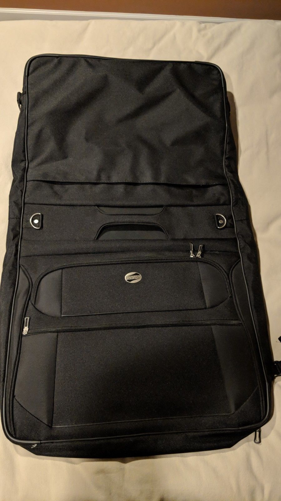 American Tourister Garment Bag  black