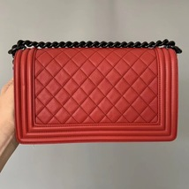 NEW RARE AUTH CHANEL RED QUILTED CALFSKIN SO BLACK HW MEDIUM BOY FLAP BAG image 2