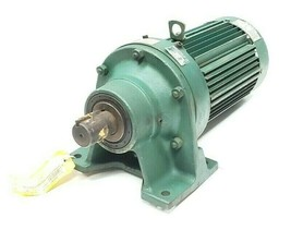 SUMITOMO SM-CYCLO TYPE TC-F 3 PHASE INDUCTION MOTOR W/ HM-3110-C 6:1 GEARMOTOR