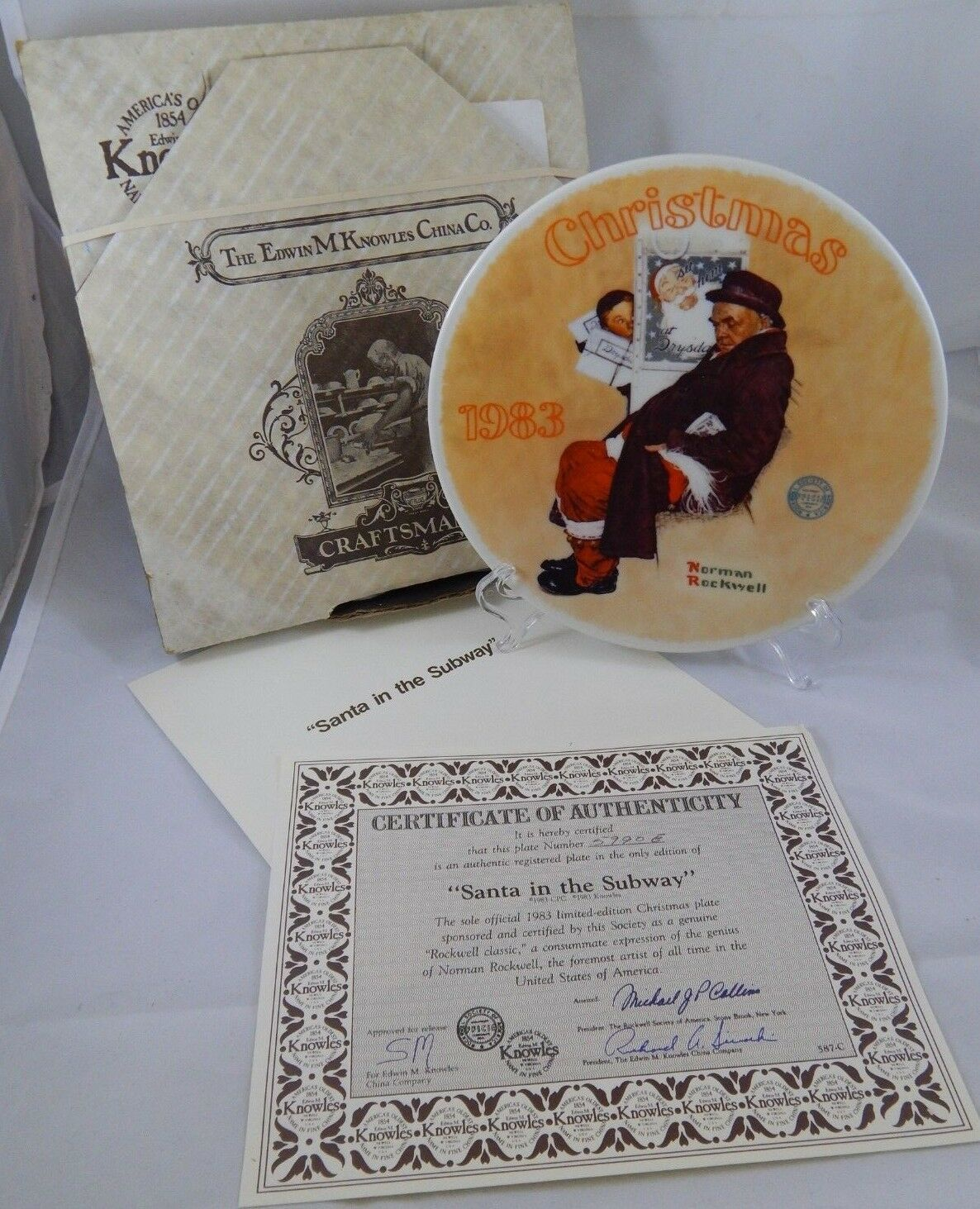1983 Edwin Knowles Norman Rockwell Santa In The Subway Christmas Collector Plate