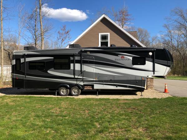 2013 Redwood 36RE Fifth Wheel FOR SALE IN Coventry, CT 06238