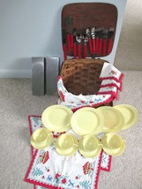 Vintage Woven Wood Picnic Basket plus Accessories Service for 4 Watertow... - $743,73 MXN