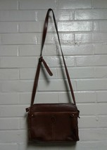 Women's Liz Claiborne Brown Size Small Shoulder Bag - $12.42