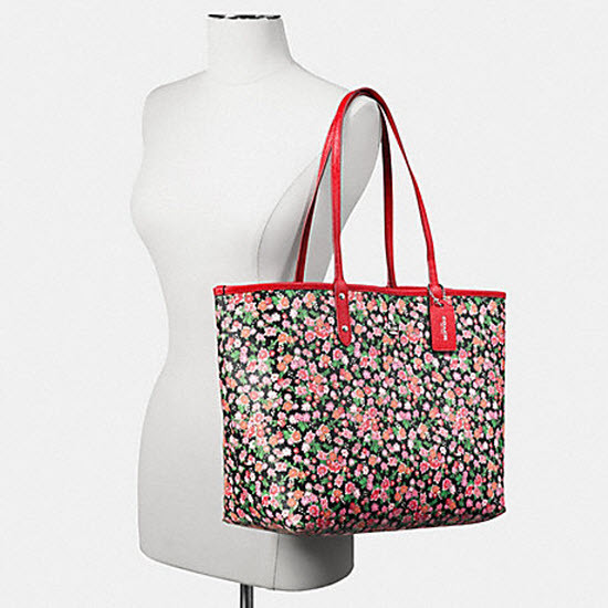 eversible City In Posey Cluster Floral 57669 PINK MULTI BRIGHT RED Tote Bag
