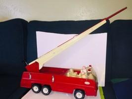 Antique Tonka Pressed Metal Long Ladder Fire Truck - $69.29