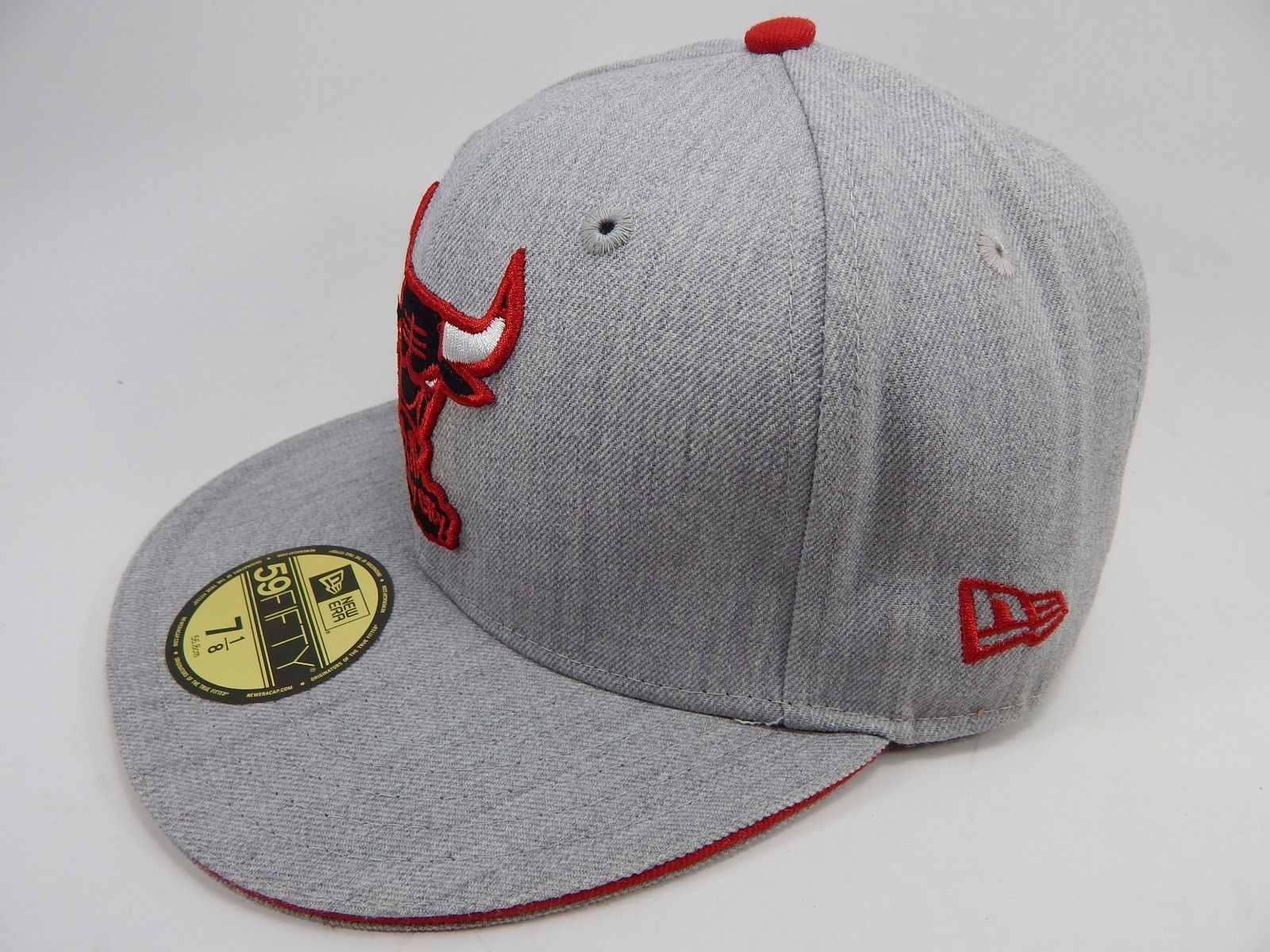 Chicago Bulls New Era Size 7 1/8 Fitted 59Fifty Official NBA Cap Hat Gray Red