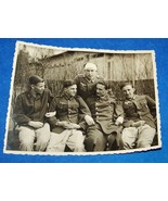 ORIGINAL WW2 GERMAN PHOTO: WOUNDED SOLDIERS GROUP POSE OUTSIDE HOSPITAL - $8.50