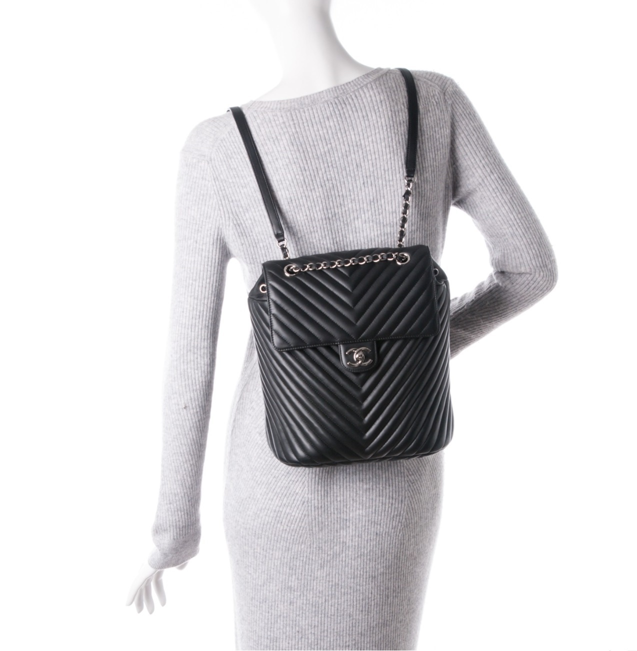 5a282874d6b3 AUTHENTIC CHANEL BLACK CHEVRON QUILTED CALFSKIN LARGE URBAN SPIRIT ...