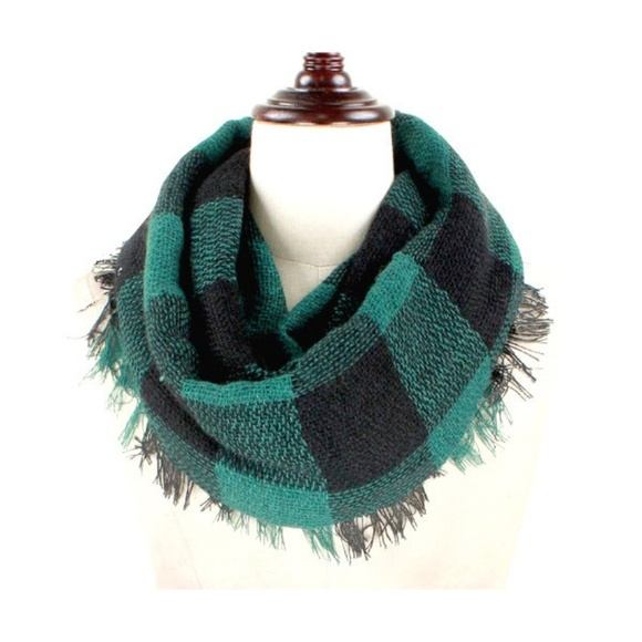Green & Black Buffalo Plaid Woven Infinity Scarf