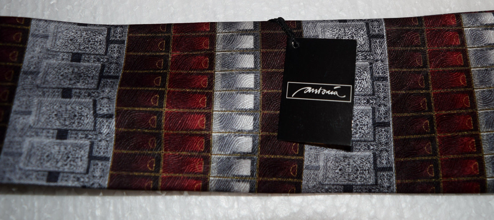 """NWT Antionia men's tie 59"""" X 4"""" Hand made tie 100% Silk New Very Nice Dry Clean image 4"""