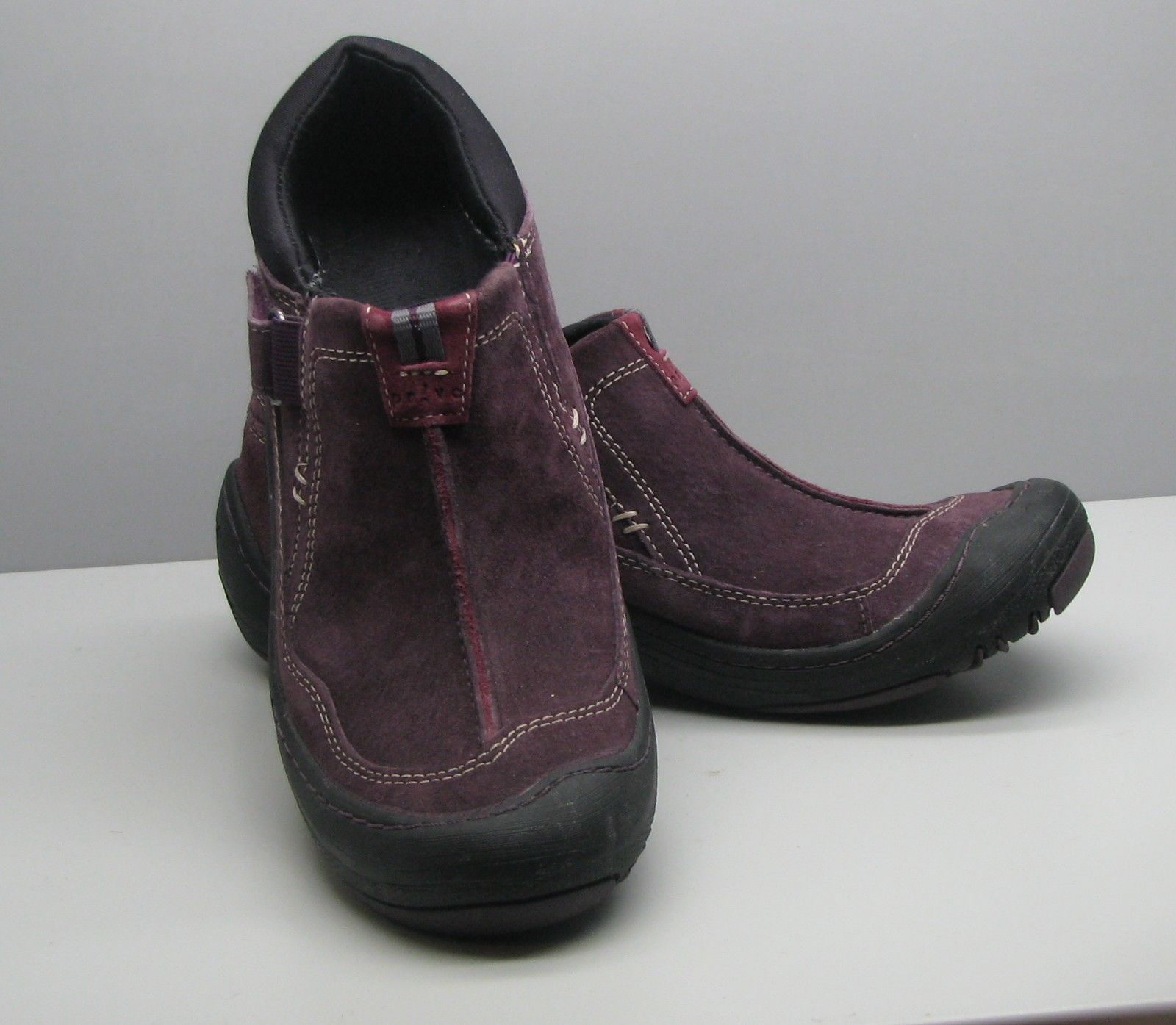 Clarks Privo Plum Leather SHOES Woman's 6.5 M Slip On