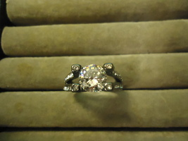 CLEAR CRYSTAL GEMS WEDDING RING   # 10281  SIZE 8.0  WE COMBINE SHIPPING    - $6.75