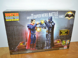 ROCK'EM SOCK'EM BATMAN V SUPERMAN Game New Unused DC Comics Mattel 2015 ... - $27.08