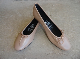 TicTacToes Leather 8.5 Ballet Flat Shoes - $24.00