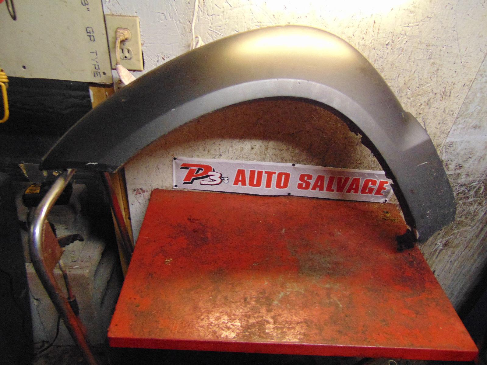 09 08 07 06 05 Hyundai Tucson oem left front fender flare flair molding moulding - $59.39