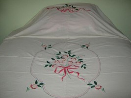"""Vtg Twin Bedspread Embroidered Muslin 72"""" X 100"""" Coverlet Flower Bow Han... - £17.24 GBP"""