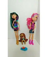 Monster High lot 2 dolls 1 vinyl figure Cleo De nile Creeperteria Howlee... - $24.74
