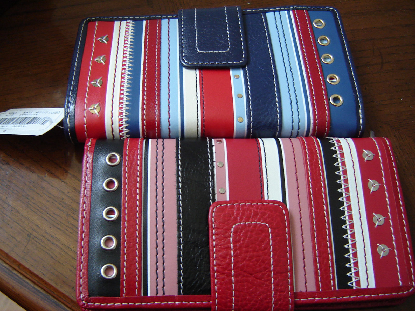 FOSSIL WOMEN'S 1 WALLET GENUINE 100%LEATHER RED/BLACK MULTI STRIPED NEW image 5