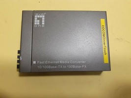 LevelOne FVT-4301 Hw Ver.: 1.0 10/100BaseT to 100FX, SC Fast Ethernet Media - $45.00