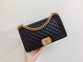 AUTHENTIC CHANEL LE BOY BLACK QUILTED LAMBSKIN MEDIUM FLAP BAG GHW image 2