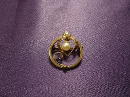Wells 14K Gold Filled Heart Pearl Brooch Pin - $17.82