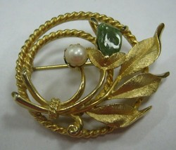 Marked Sarah Cov.  gold color flower Pin - $15.83