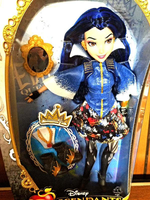 "Primary image for Disney Decendants-- Evie Doll ""Isle of the Lost"" NIB"