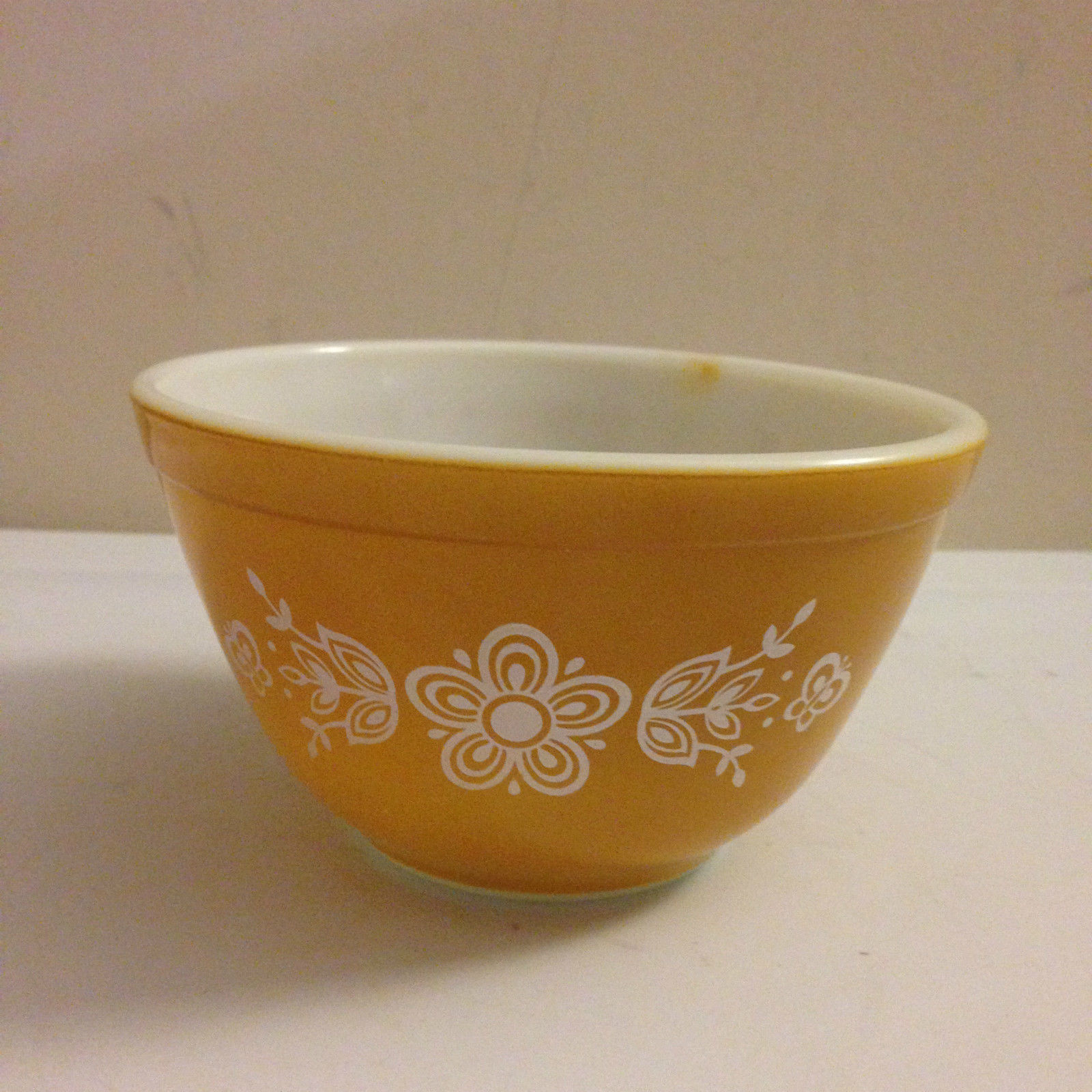 Vintage Pyrex 1.5 pt Butterfly Gold Nesting and 14 similar items