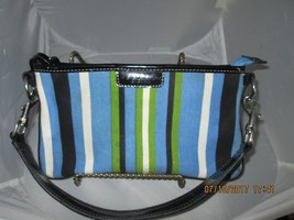 Kenneth cole reaction striped small hand bag - $14.03